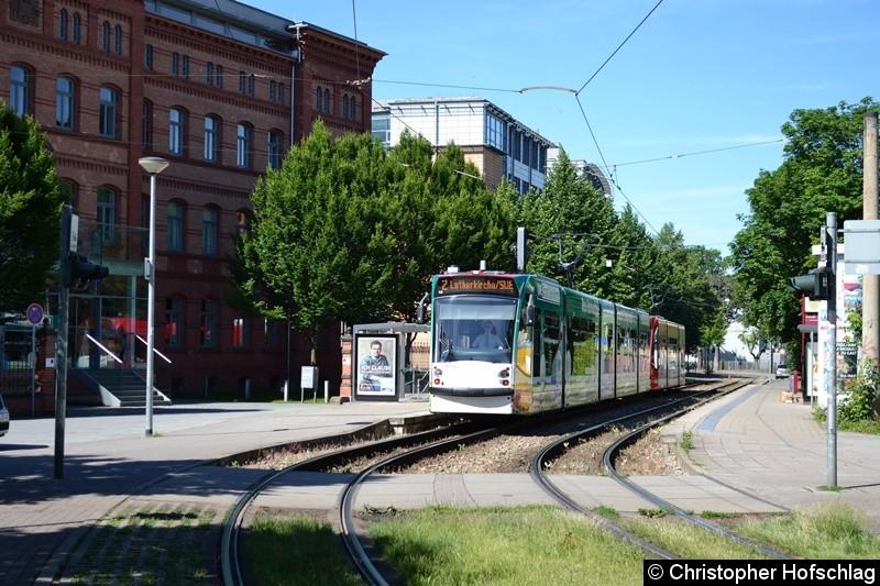 TW 635+701 an der Haltestelle Gorkistraße.