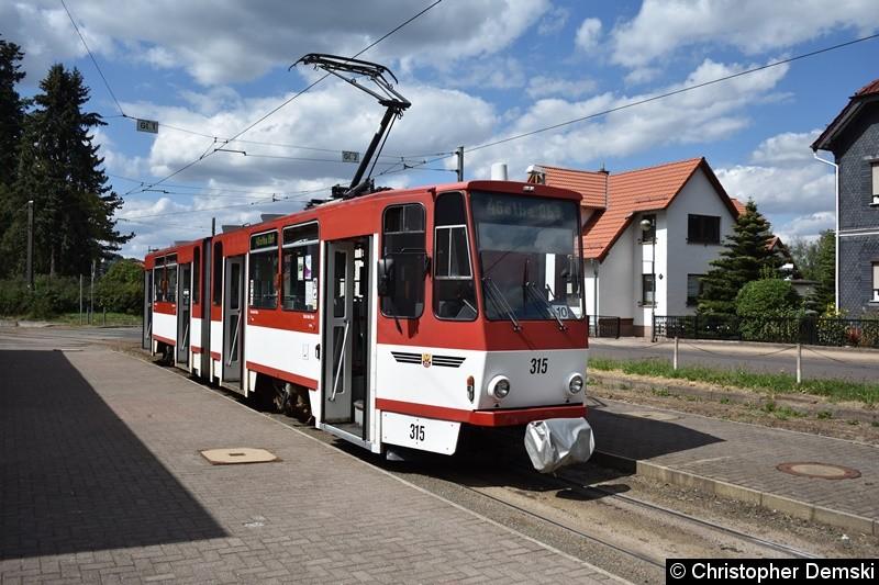TW 315 als Linie 4 an der Endstelle Bad Tabarz