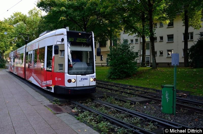1528 als Linie 103 auf dem Weg nach Dellwig, Wertstr. an der Haltestelle Phillipusstift.