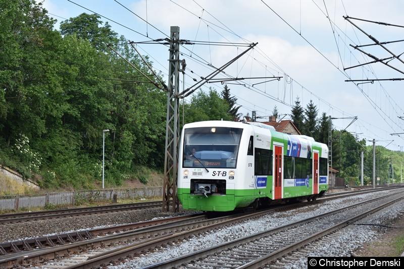 650 505 (VT 105) bei der Durchfahrt in Erfurt Bischleben.