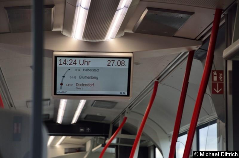 Bild: Blick auf die Fahrgastinformation.