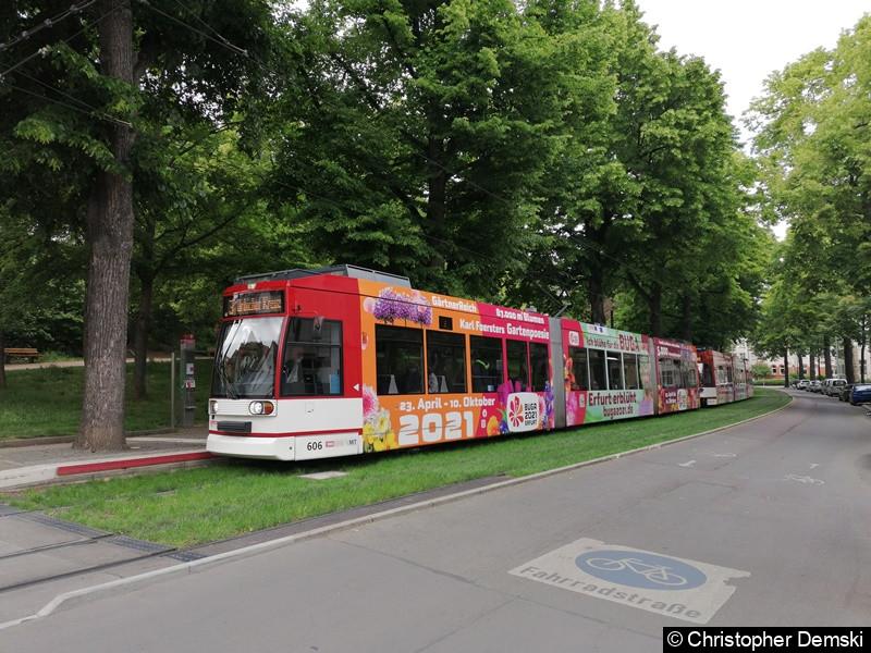 TW 611+606 als Linie 3 an der Haltestelle Robert-Koch-Straße.