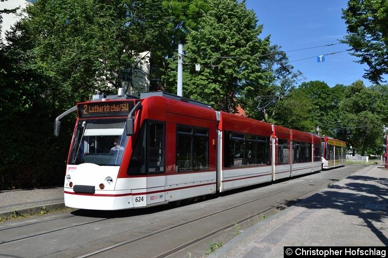 TW 624+712 als Linie 2 am Brühler Garten.