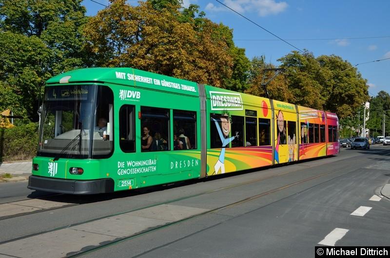 2514 als Linie 4 an der Haltestelle Krankenhaus St.-Joseph-Stift.
