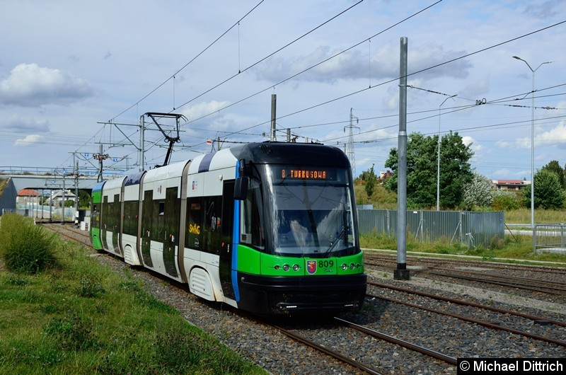 Wagen 809 als Linie 8 kurz vor der Haltestelle Turkosowa.