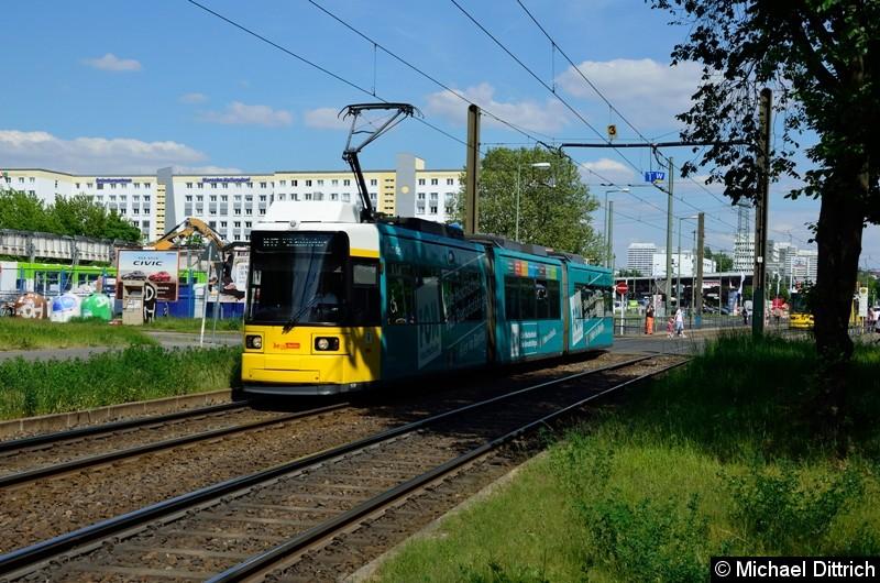 1578 als Linie M17 hinter der Haltestelle Allee der Kosmonauten/Rhinstraße.