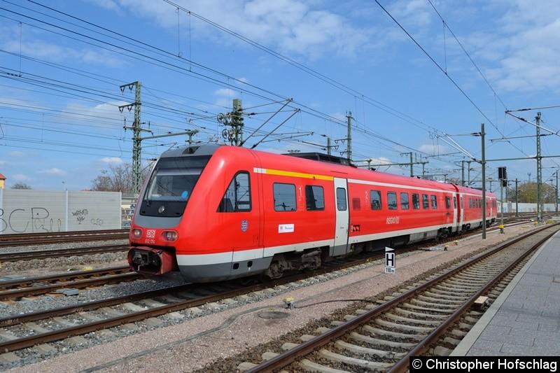 BR 612 174 bei der Einfahrt in Erfurt Hauptbahnhof .