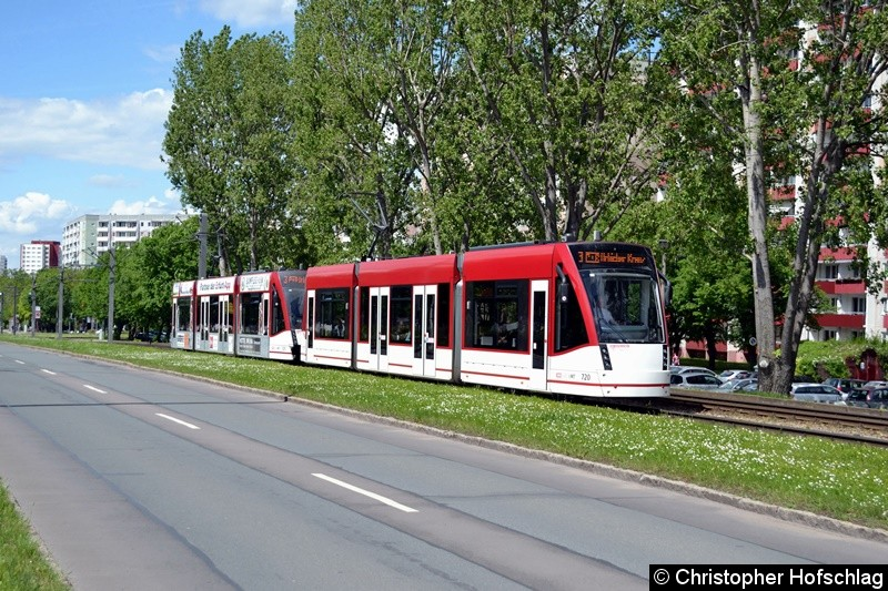 TW 720+721 als Linie 3 in Richtung Urbicher Kreuz,höhe Nordhäuser Straße kurz vor der Haltestelle Riethstraße.
