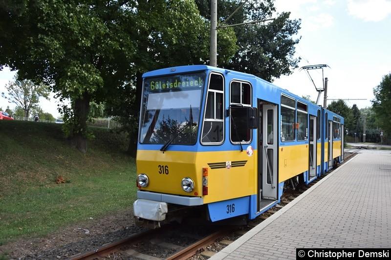 TW 316 am Bahnhof Waltershausen.
