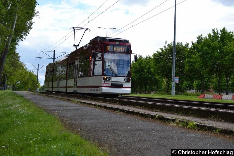 TW 610 als Linie 6 in Richtung Rieth, höhe Nordhäuser Straße kurz vor der Haltesteller Berliner Straße.