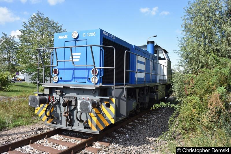 275 584 in Anschluss-Gleis zum Siemens-Werk Erfurt.